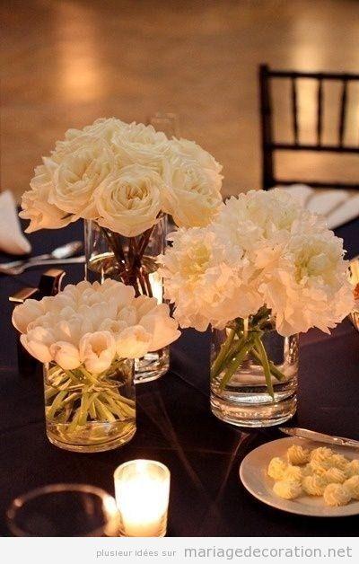 Déco mariage, fleurs blanches en vases