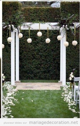 Autel simple, idees déco mariage au jardin