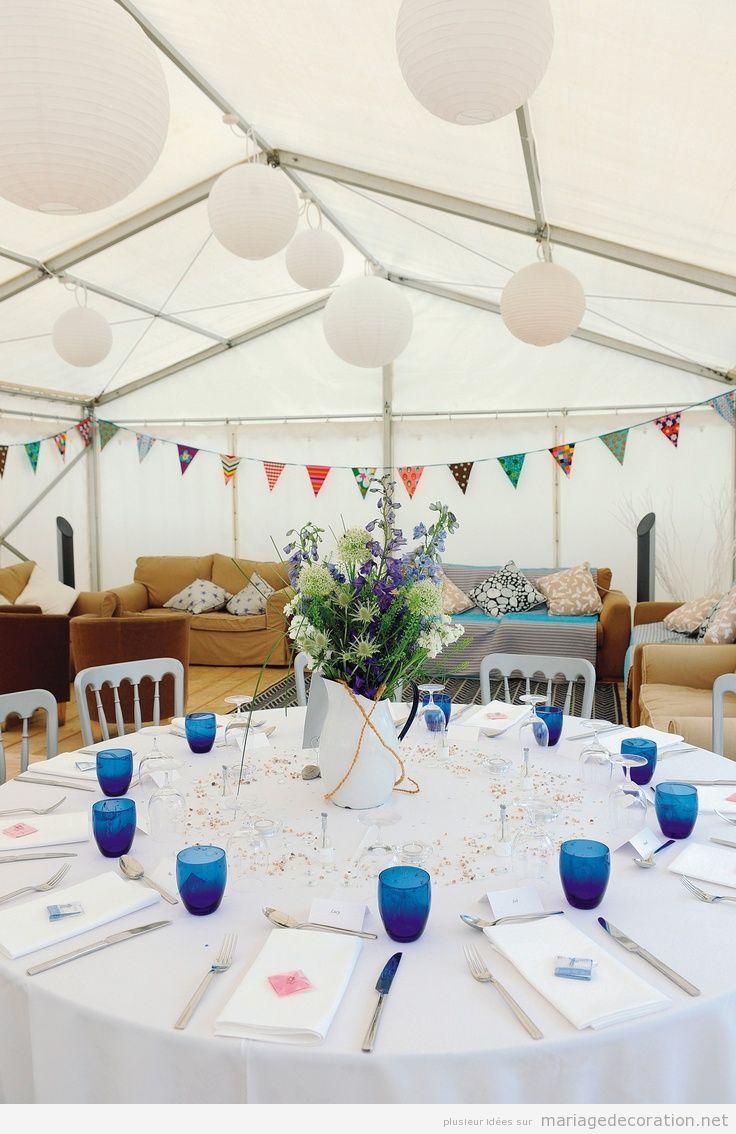 Idées pour décorer une salle de mariage sous une tente, style vintage