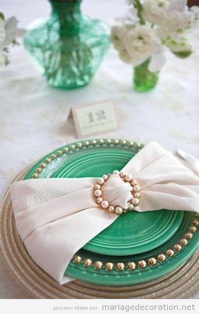 Détail élégant pour décorer un assiette, salle de mariage