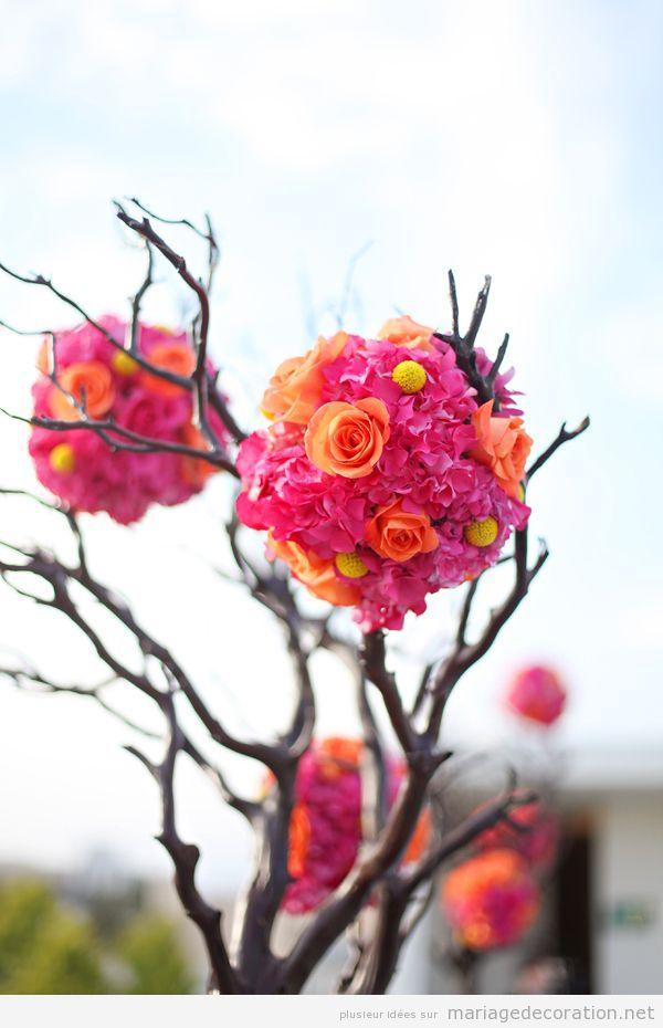 Idées décorer mariage, pompon fleurs sur branches