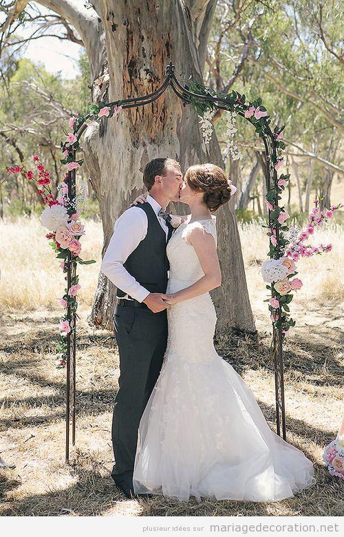 idées décorer un autel mariage fôret