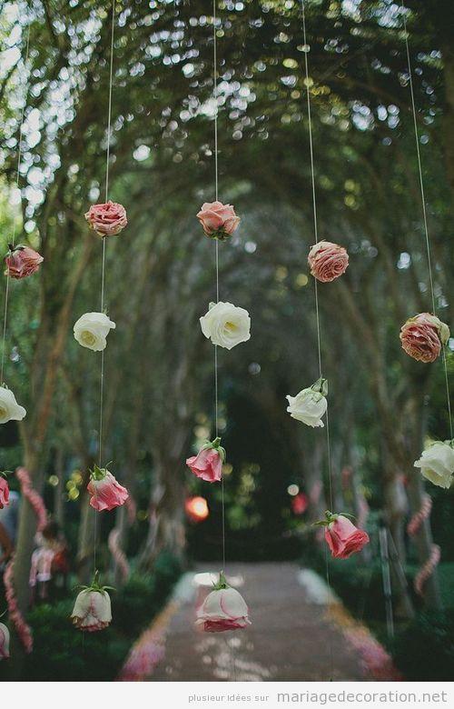 Idée déco mariage: un rideau de roses