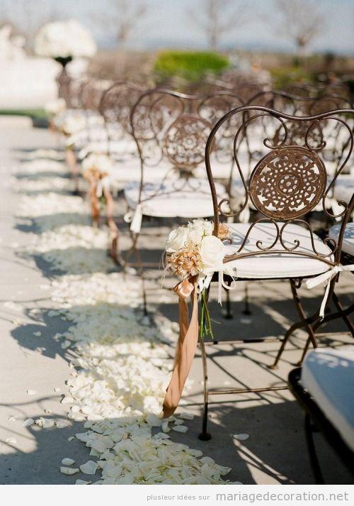 Chaises fer forgé déco mariage au jardin