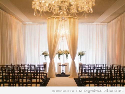Déco mariage salle simple et élégante