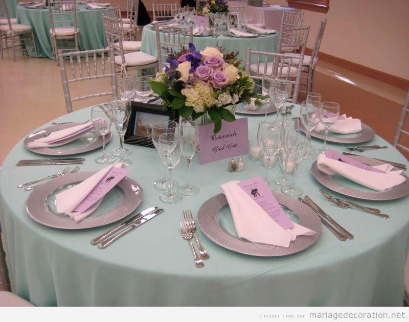 Table mariage pas chère décoré en teinte pastel