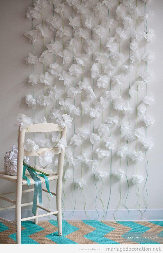 fleurs en papier de soie pour d corer le mur d 39 une salle. Black Bedroom Furniture Sets. Home Design Ideas