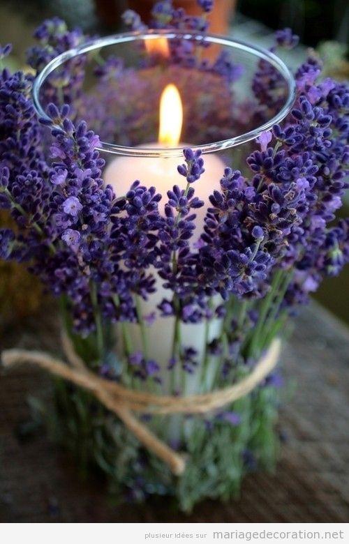 Porte-bougies et levande, idée décoration centre table mariage