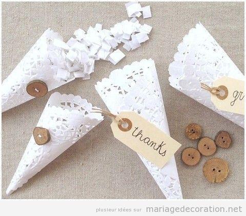 Cônes en papier pour un mariage