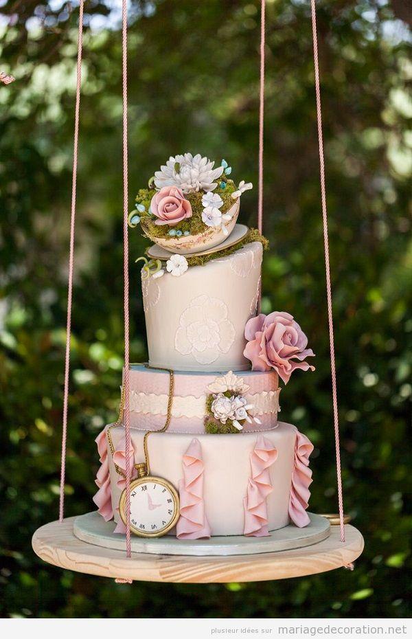 Idées originales mariage 2018, gateau suspendu