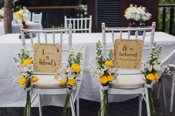 Mariage Champêtre Chic Chaises mariés 2