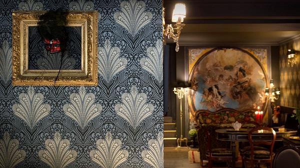 Papier peint maximaliste motif bleu