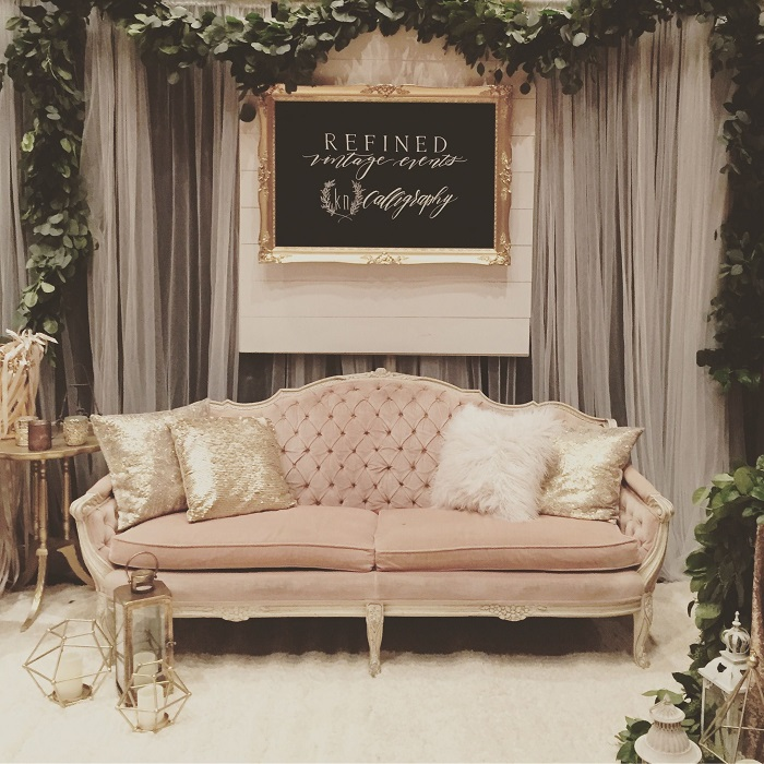 Idées photobooth mariage avec canapé 2