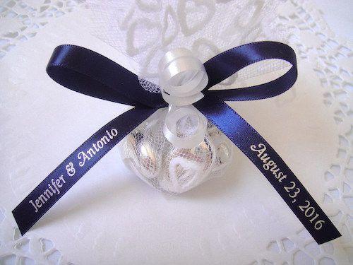 Cadeaux mariage décorés avec rubans personalisés